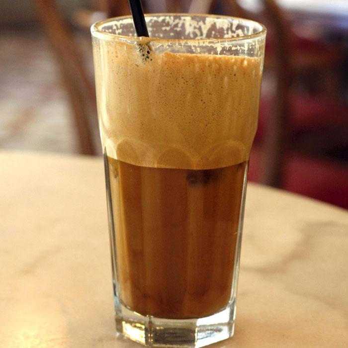 молочный кофе фраппе рецепт