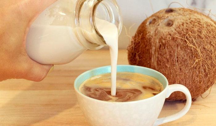 Добавляют ли кокосовое молоко в кофе?