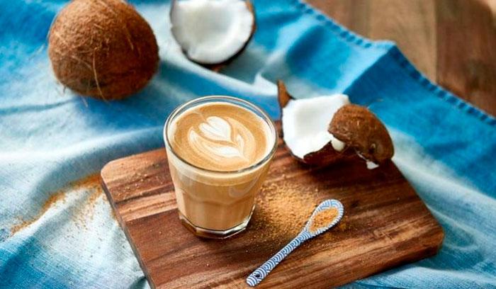 Польза и вред кофе с кокосовым молоком